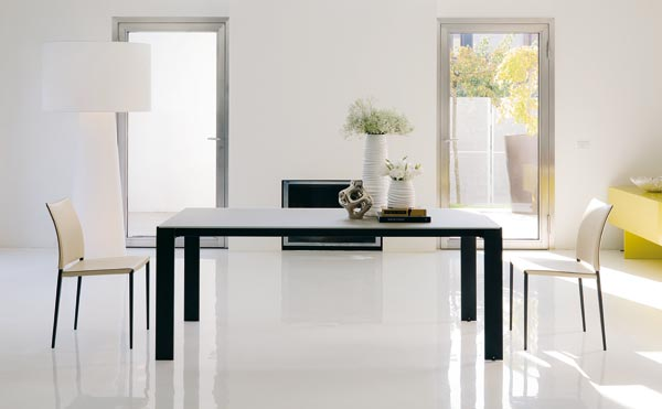 Tavoli e sedie a padova tavoli moderni in cristallo o for Sigma arredamenti